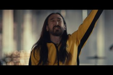 Steve-Aoki-Why-Are-We-So-Broken-feat.-Blink-182-Official-Video-Ultra-Music